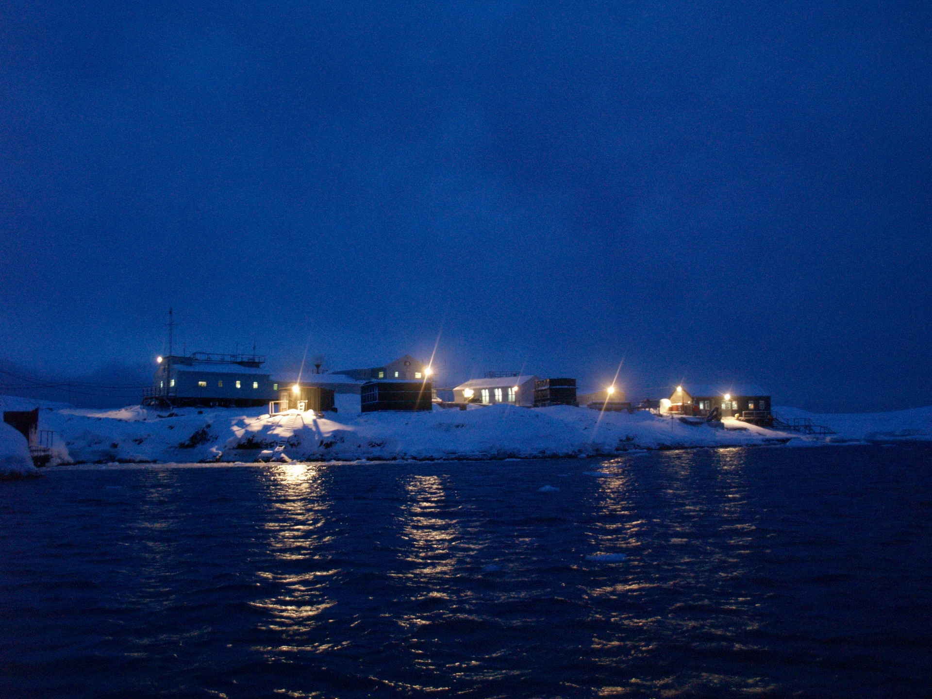 10 male and 2 female participants. The core membership of the 24th Ukrainian Antarctic Expedition has been determined