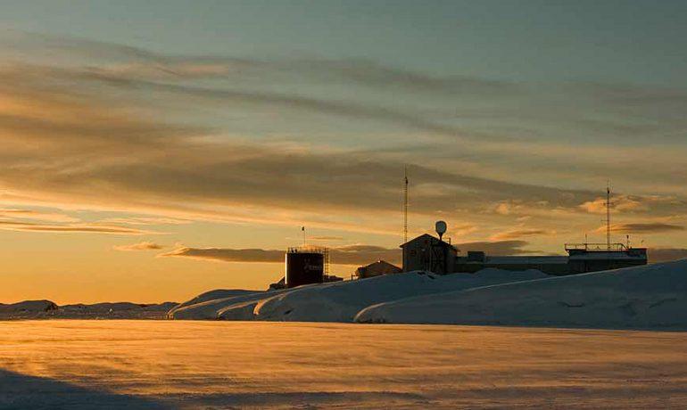 """Україна дедалі інтенсивніше досліджує Антарктиду - стаття Германа Богапова у """"Дзеркалі тижня"""""""