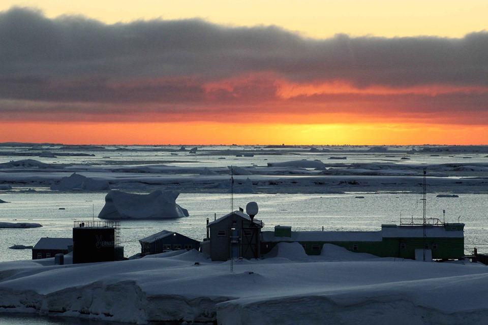 До 200-річчя відкриття Антарктиди. Фахівці НАНЦ прочитають серію лекцій для юннатів