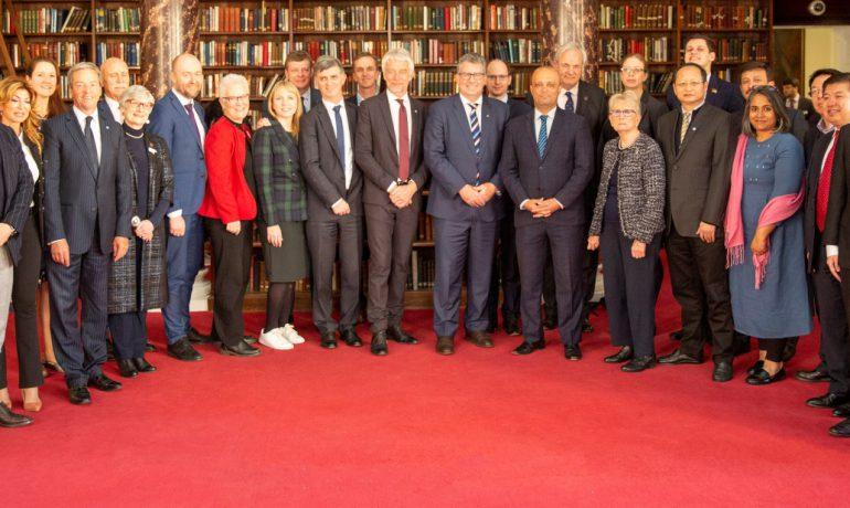 У Лондоні відбулася перша Асамблея парламентарів,  які опікуються питаннями Антарктики