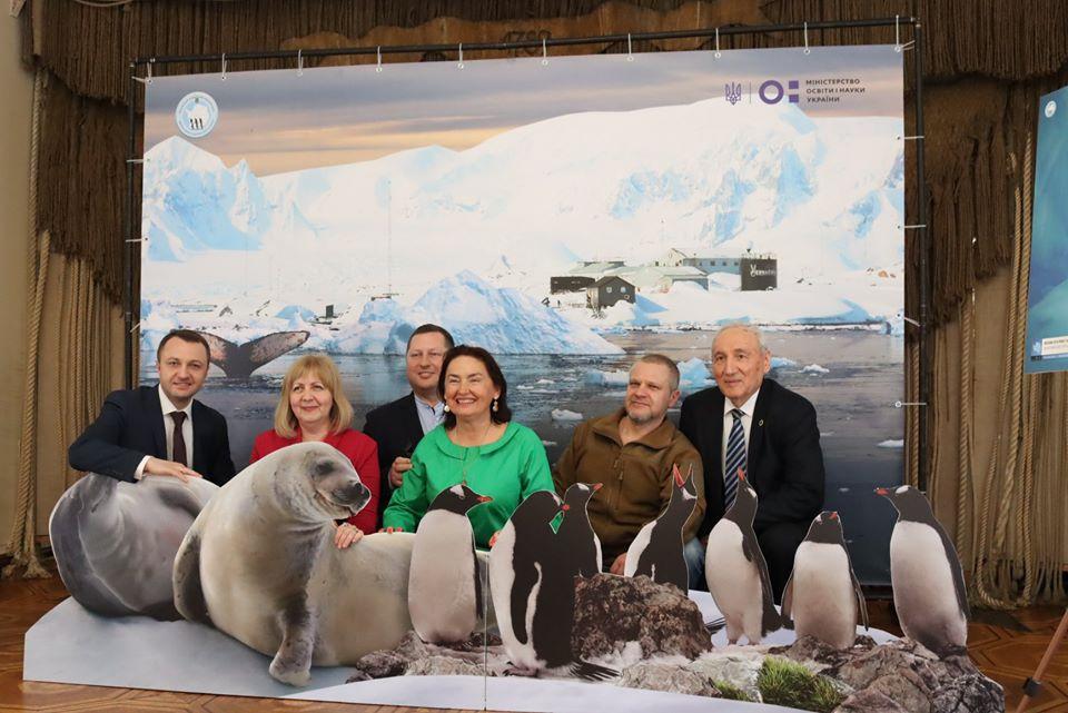 Антарктична фотовиставка відкрилася в Миколаївському музеї суднобудування та флоту
