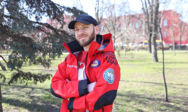 Чому тіло полярника Василя Омеляновича досі не можуть доправити в Україну