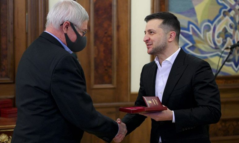 On the day of the 25th anniversary of Akademik Vernadsky station, Ukrainian polar explorers received state awards from the President