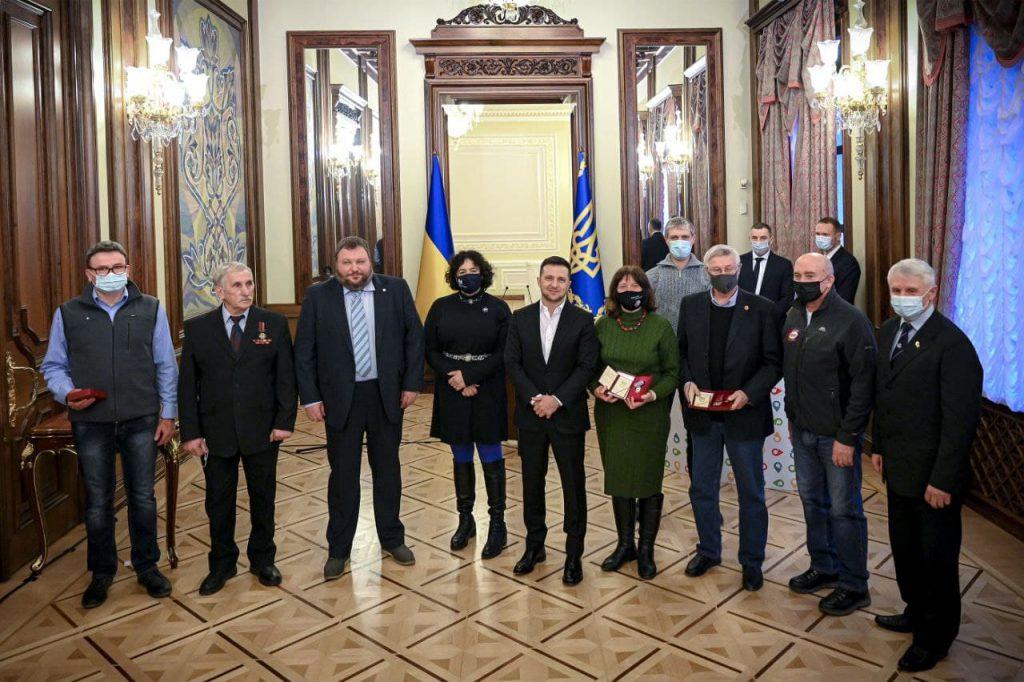 Полярники отримали державні нагороди з рук Президента
