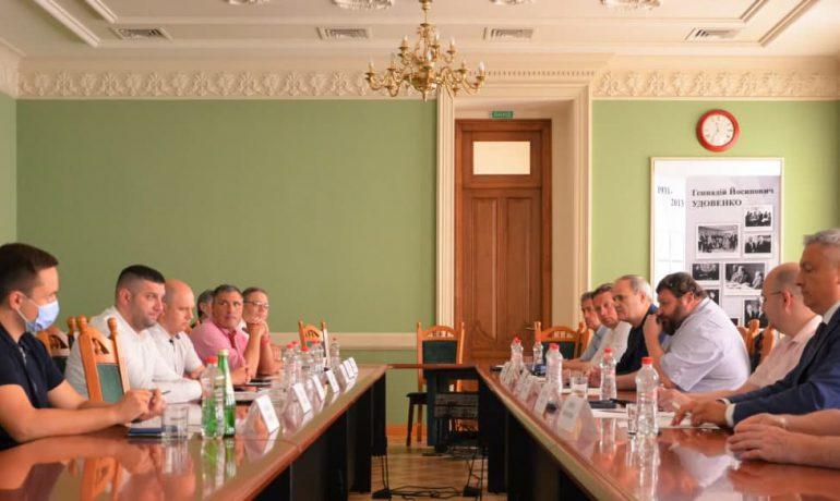 Україні необхідно розробити національну стратегію політики у полярних регіонах – спільна позиція основних стейкхолдерів